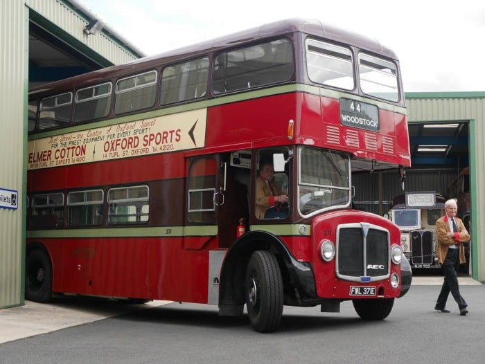 vintage bus in oxford